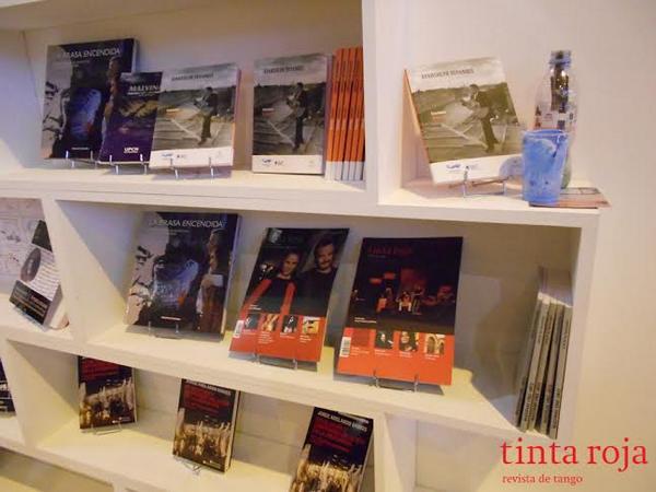 Tinta Roja presente en el stand argentino del Salon du livre de París.
