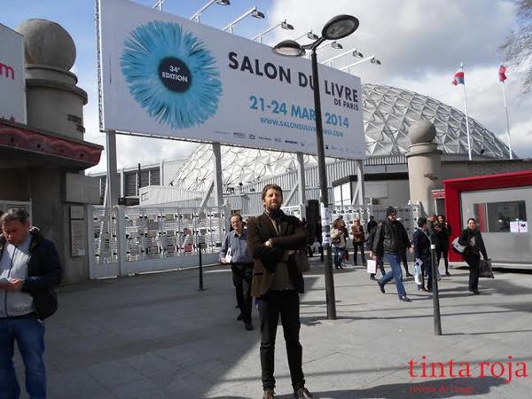 Alejandro Guyot en el Salon du livre de París.