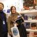 Alejandro Guyot y Vanina Steiner, embajadores de Tinta Roja en el stand argentino del Salon du livre.